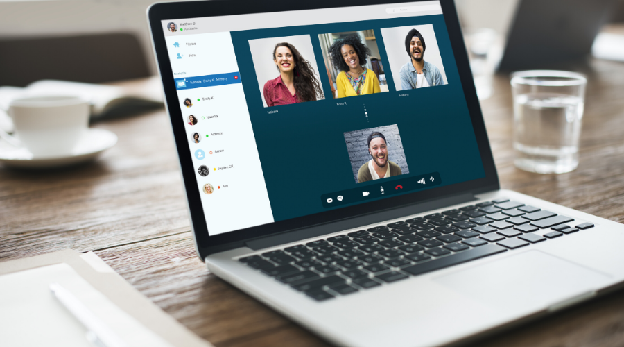 #VirtualUnity: Connection Corner with a Company of Coaches